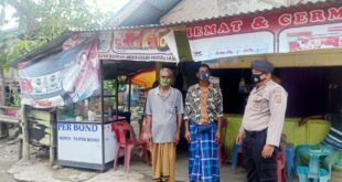 Personil Polsek Kembang Tanjung Melakukan Patroli Dialogis dan Edukasi Kepada Warga Selalu Menggunakan Masker
